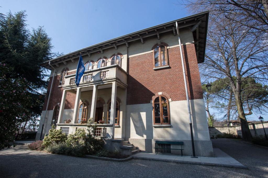Excellent la villa agusta with disegni di ville for Disegni di ville